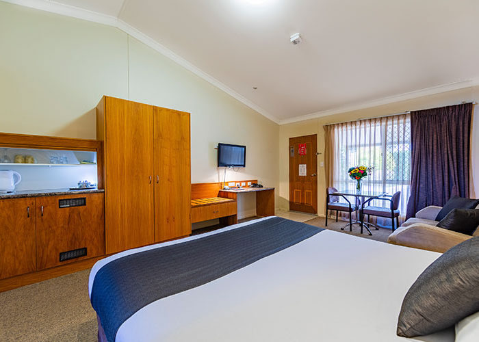 Executive-King-Spa-Suite-1